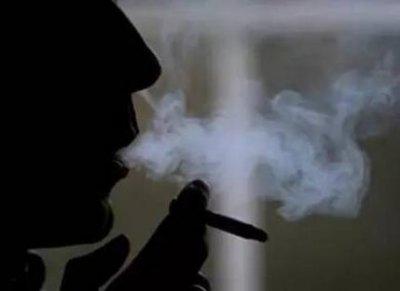 男人吸烟有哪些危害(男人吸烟的十大危害)